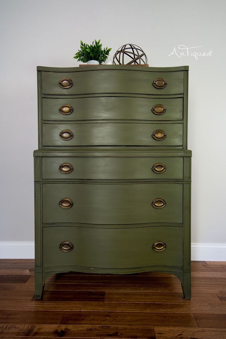 Olive Green Chalk Painted Chest of Drawers with Glaze. Home decor love
