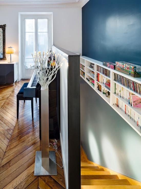 Les couleurs froides ont tendance agrandir l 39 espace d cor et ambiance - Escalier entre cuisine et salon ...