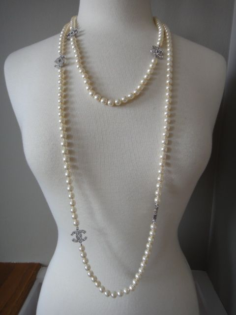 Current Chanel A12v Long Pearl 5-crystal CC Logo Sautoir Necklace