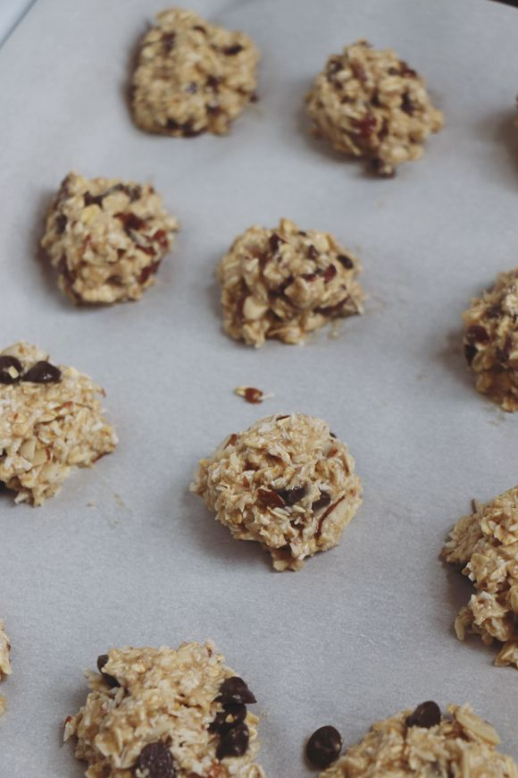 Bananas + Oats: Meet The Easiest Cookies You'll Ever Make | Free People Blog #freepeople