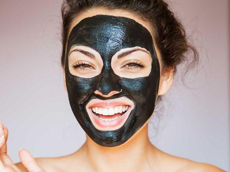 Idéal pour purifier et nettoyer l'épiderme en profondeur, le charbon est également très efficace pour lisser et illuminer la peau. De plus en plus tendance,...