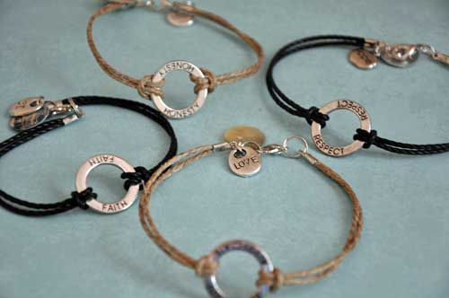 DIY Anklets by All Things Heart & Home - free tutorial