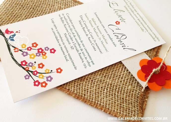 Modelo 21 Ecológico: convite de casamento reciclado com envelope de juta todo colorido. Com casal de passarinhos na cerejeira - Galeria de Convites
