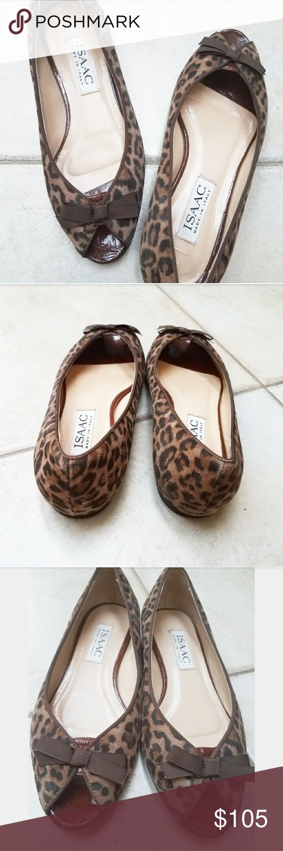 """New! ISAAC Made In Italy Leopard Peep Toe Flats ISAAC Made In Italy. """"BELLA"""" Flats / Loafers in leopard  Pristine condition! Beautiful suede leopard print ballet flats with a stylish glossy patent leather peep toe & elegant brown grosgrain bows! Italian leather. Comfortable cushioned insoles. Made in Italy.  Women's shoe size 5.5 M  Bundle & save! ISAAC Shoes Flats & Loafers"""
