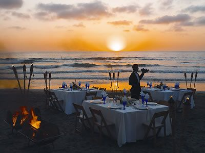 Weddings La Jolla Beach and Tennis Club La Jolla Weddings San Diego Reception Venues 92037 | Here Comes The Guide