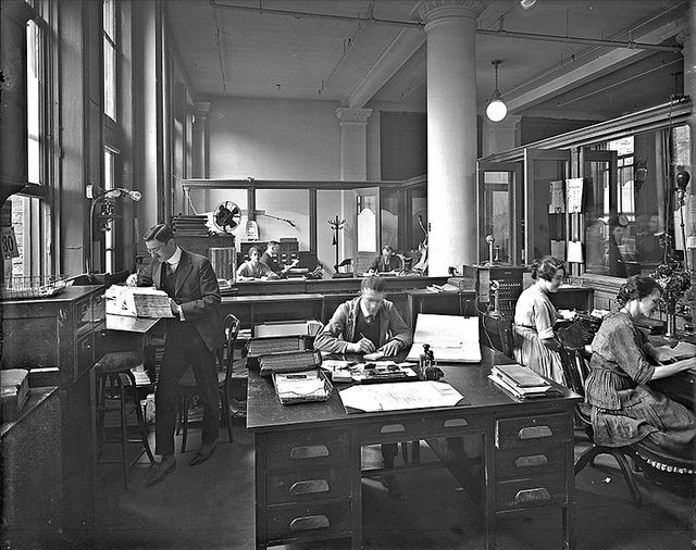 H. P. Labelle & Cie. office interior, Montreal, QC, 1920. #vintage #Canada #1920s