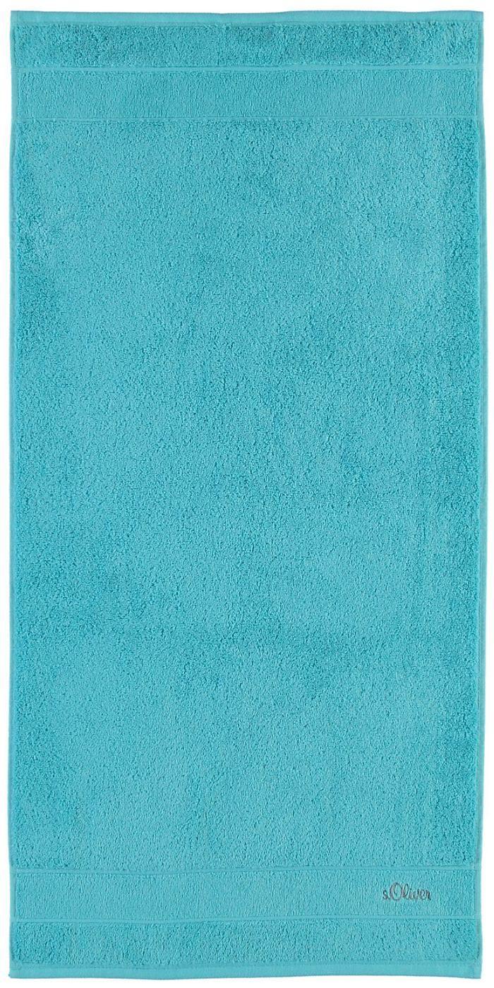 Leuchtende Badetücher »Uni Stick« von s.Oliver. Diese Frotteetücher verschönern jedes Badezimmer mit ihren tollen Farben - ganz schlicht und doch so wirkungsvoll kann »unifarben« sein. Die extra flauschige Walkfrottee-Qualität aus 100% Baumwolle, der Kordelaufhänger und die Logostickerei begeistern zusätzlich. Freuen Sie sich auf diese hochwertigen Tücher in Ihrem Badezimmer.  Artikeldetails:  ...