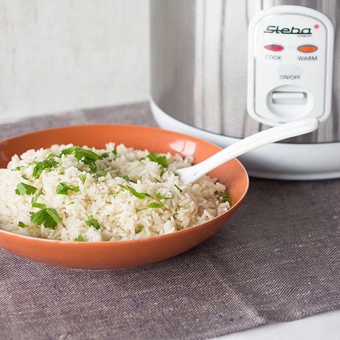 Dein Reiskocher kann so viel mehr, als einfach nur Reis kochen. So kochst du den perfekten Reis und zauberst ziemlich geniale Rezept.