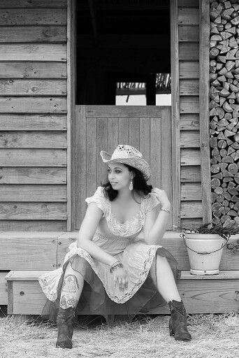 Country PinUp