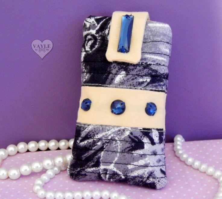 Phone case handmade by Vayle vaylebyme.blogspot.com