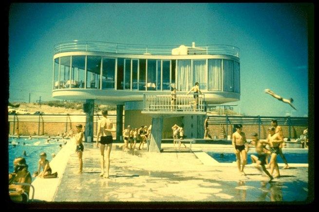 Centenary Pool, Brisbane, Australia. architect: James Birrell via intotheloop.blogspot.com.au