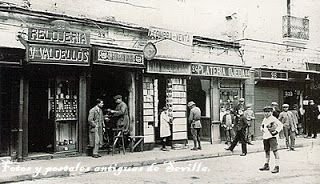 Tiendas de la Plaza del Pan. 1928.