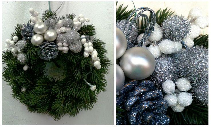 Il Natale si sta avvicinando ed è il momento di decorare la casa. Cosa mettere sulla porta d'ingresso per accogliere gli ospiti? Ghirlande di benvenuto per le Feste Natalizie: coloratissime e fantasiose si appendono alla porta e sopra il camino. E' un modo semplice di dare il benvenuto a chi viene a trovarci. #natale2014 #decorazioninatale #christmas2014