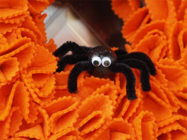 Filcová dekorace, která vám nemůže na Halloween chybět