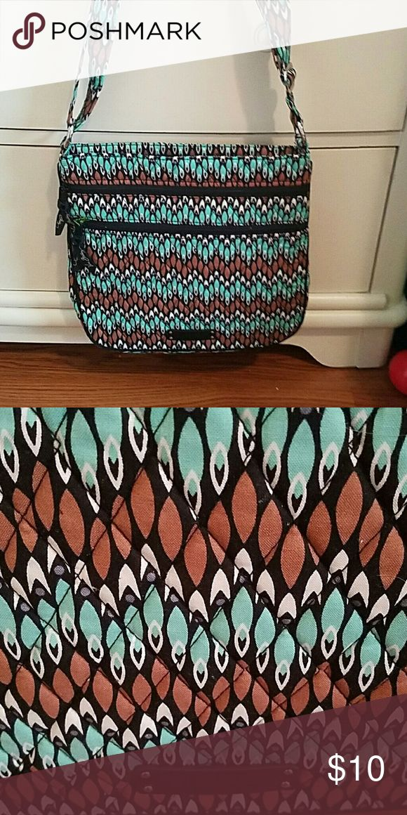Vera Bradley Purse Vera Bradley Cross body bag....like new condition Vera Bradley Bags Crossbody Bags
