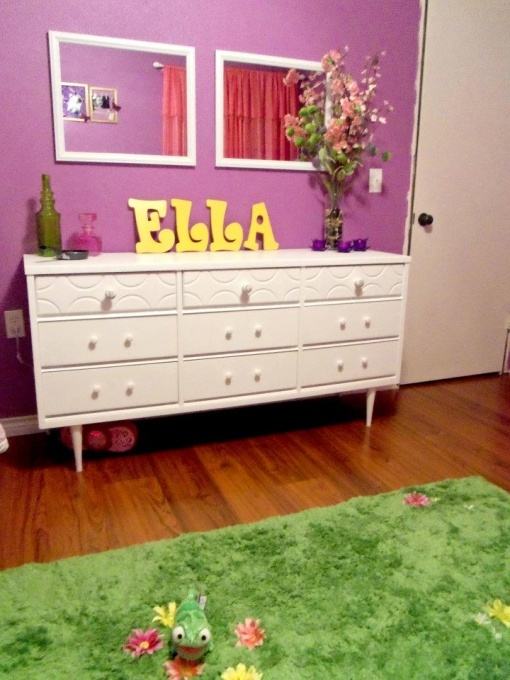 emma 39 s rapunzel tinker bell room bought the green shag rug and sewed