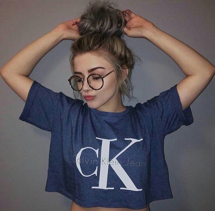 Fall 2016 | blue Calvin Klein crop top, round glasses frames