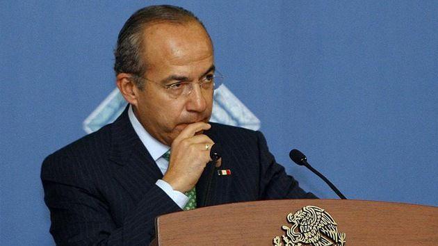 Calderón aceptó que EE.UU. instalara en México un centro de espionaje.