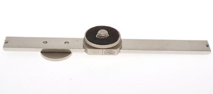 """Leitz zeldzame nikkel stereo slide bar Fiate voor Leica schroef mount camera  Leuke en zeldzame accessoire voor Leica schroef mount camera's het is de FIATE een schuifbalk voor stero fotograferen.Het is in Uitm  staat een is mogelijk te zien van de foto's.De schroef te koppelen aan de camera is de """"grote"""".  EUR 150.00  Meer informatie"""
