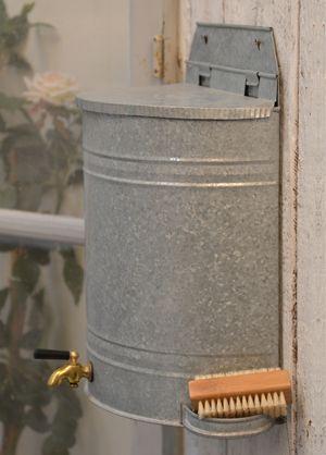 les 25 meilleures id es concernant r cup rateur d 39 eau sur pinterest recuperateur eau reserve. Black Bedroom Furniture Sets. Home Design Ideas