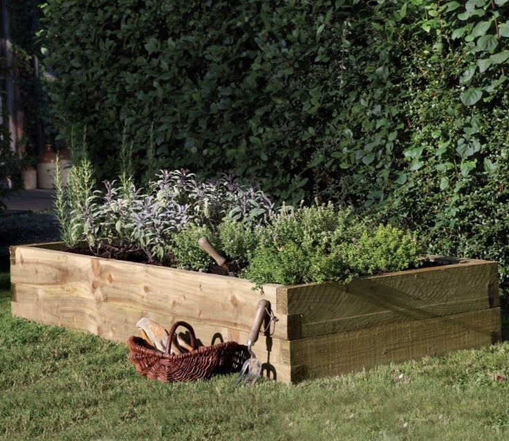 The Caledonian Raised Bed 6ft x 3ft will enable you to enjoy your own fresh vegetables straight from the garden.