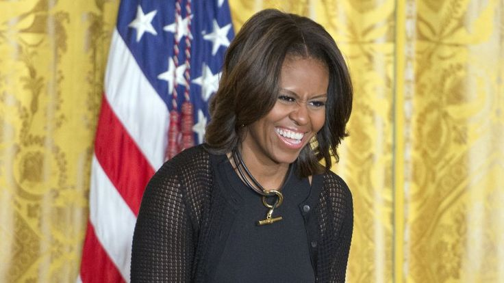 Новости США: Мишель Обама высмеяла Трампа, в КНДР готовы присмотреться к Америке https://riafan.ru/763568-novosti-ssha-mishel-obama-vysmeyala-trampa-v-kndr-gotovy-prismotretsya-k-amerike