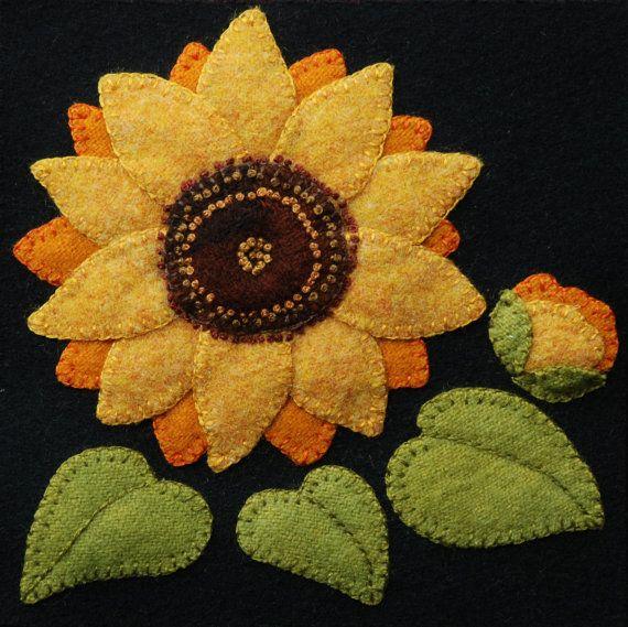 Bienvenidos a mi último diseño, Cuatro estaciones de las flores. Que consta de un total de 24 bloques, cada 6 x 6, se encuentra seis cuadras de cada una de las cuatro estaciones, primavera, verano, otoño e invierno.  Este patrón es UNO de los seis caen flores, Girasol. Todos los 23 bloques se enumeran por separado. ***  También puede elegir la opción PATRÓN y JUEGO, al comprar. Si la compra incluye el kit, usted además recibirá un bloque de lana negra de 100% de 6 x 6 y todos la colores 100%…