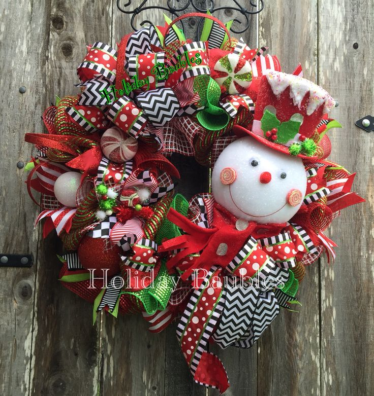 "26"" Snowman Wreath  www.facebook.com/holidaybaubles2 #christmas #wreaths…"