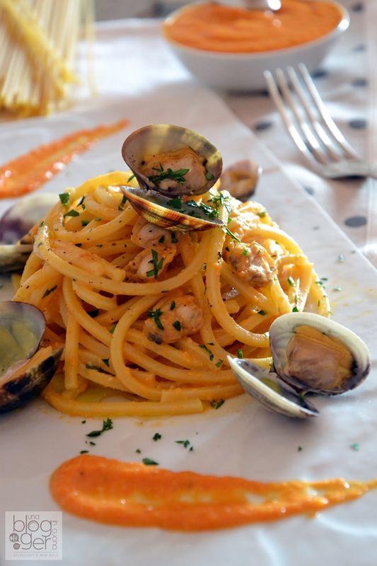 Spaghetto quadrato con pesto di peperoni arrosto e vongole veraci