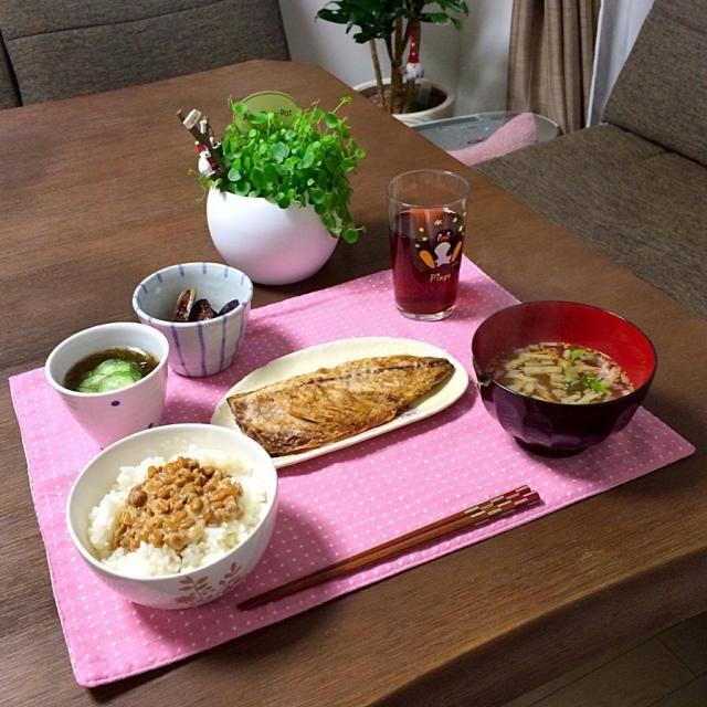 日本食、ヘルシーだね。( ´ ▽ ` )ノ - 12件のもぐもぐ - 塩鯖、納豆ご飯、きゅうりもずく酢、茄子の旭ポン酢和え、きんぴらのお味噌汁、ほうじ茶 by pentarou