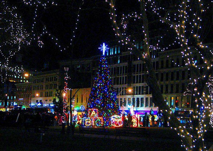 13 Christmas Light Displays In Massachusetts That Are Pure Magic In 2020 Christmas Light Displays Christmas Lights Festival Lights