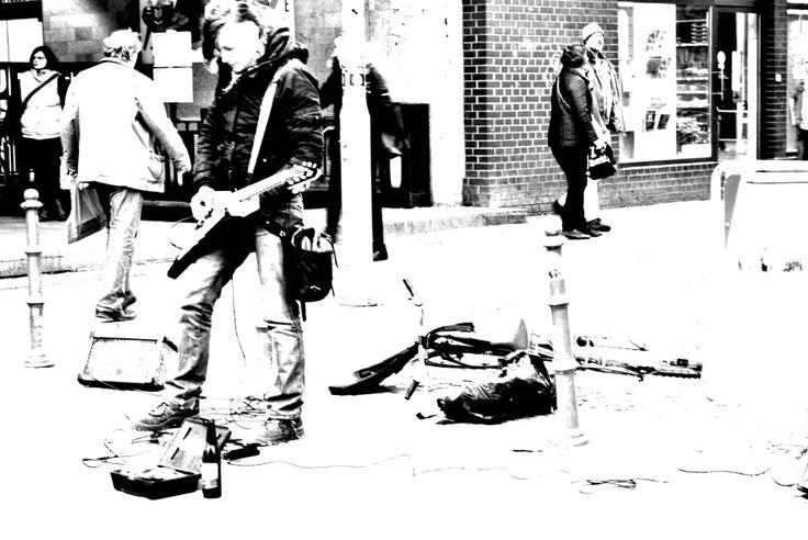 Berlin street musik  photo by Flò