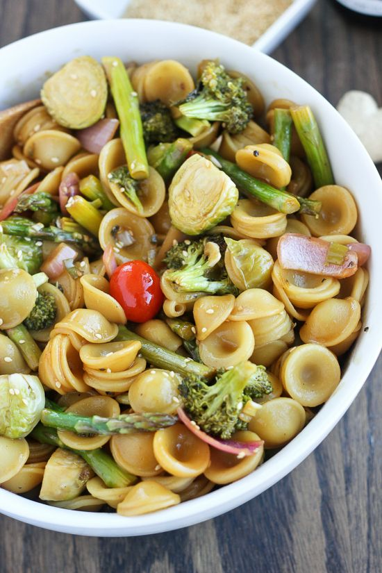Asian Ginger Sesame Roasted Vegetable Pasta - www.thelawstudentswife.com