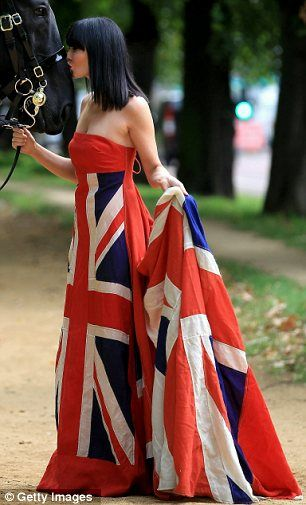 how to look glamourous wearing a flag