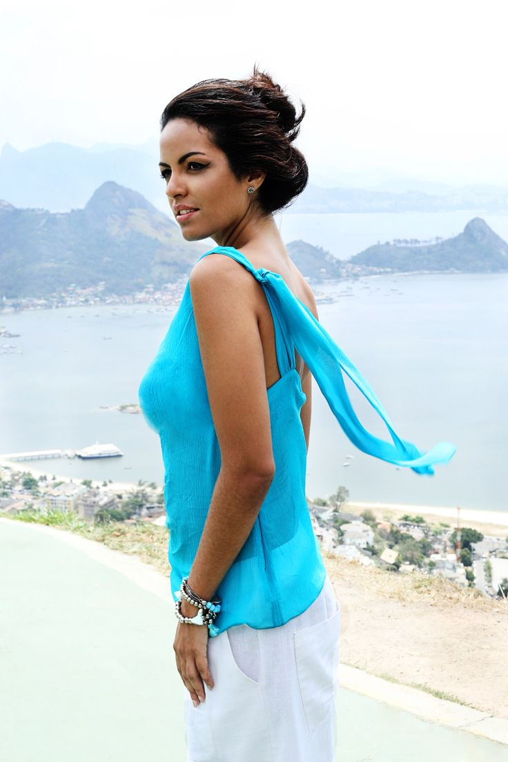 Mais detalhes na nossa Blusa Tapei de seda turquesa | Compre online: www.grege.com.br