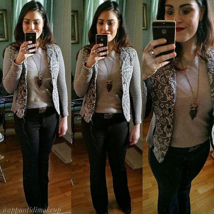 L'#outfit di oggi di cui sono molto soddisfatta nella sua semplicità   il maglioncino è di @liberomilano e l'ho rubato al fidanzato i pantaloni sono Nadia Cesetti la giacca bellissimissima @sandroferroneofficial. Accessori @bijoux.brigitte  #OOTD #outfitoftheday #appuntidimakeup #igers #igersitalia #ibblogger #bblogger #igersroma #love #picoftheday #photooftheday #amazing #smile #instadaily #followme #instacool #instagood http://ift.tt/1TFKZ3u