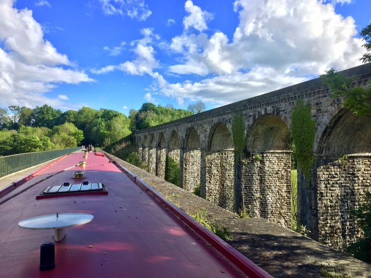 Chirk aqueduct - stunning views and blue skies! Take a narrowboat holiday with ABC Boat Hire from Blackwater Meadow, Whitchurch or Wrenbury Marina's. For route information and availability visit www.abcboathire.com