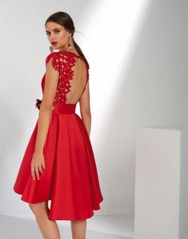77bdcdd23 Matilde Cano espectacular vestido rojo con vuelo y falda capote. Parte  superior en guipur y