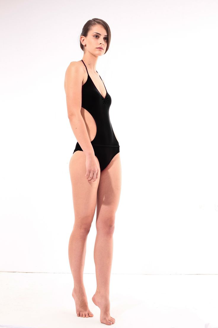 Designer black trikini @pelsoswimwear #pelso #swimwear