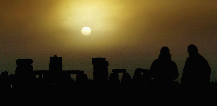 Stonehenge Solstice | Stonehenge - Summer Solstice 2004, Page 3