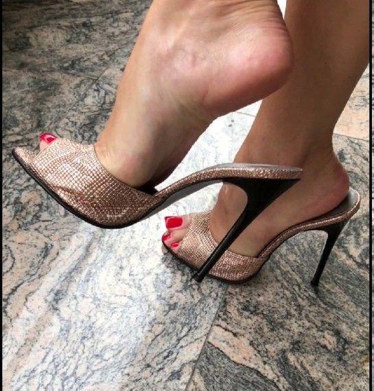 Shoe Dangle
