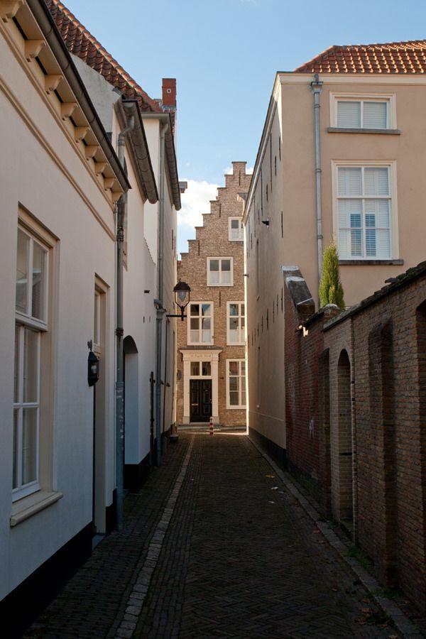 Kleine Kerkstraat Bergen op Zoom, The Netherlands