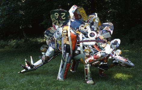 Stegosaurus by Leo Sewell: Junk Sculpture #Leo_Sewell #Stegosaurus #Upcycled