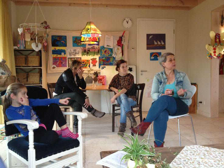 Groep 4 van de #Kameleon uit #Mill op bezoek bij een pleeggezin. Indrukwekkend.