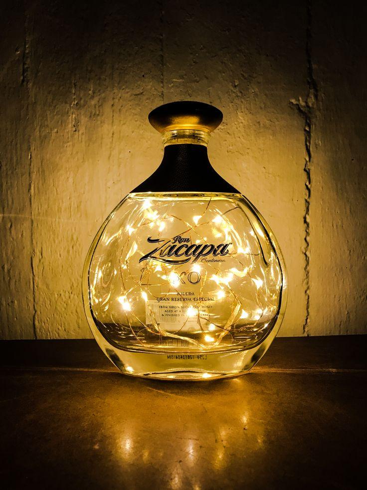 Oltre 25 fantastiche idee su Lampade bottiglia su Pinterest  Lampade in bottiglia di vino ...