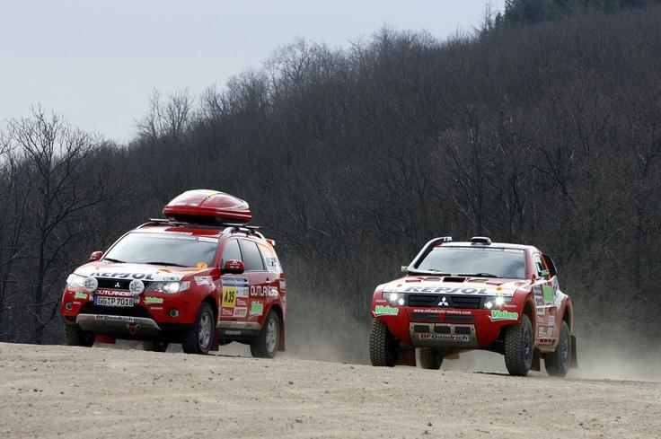 Mitsubishi Outlander and Pajero Evolution - Dakar 2008