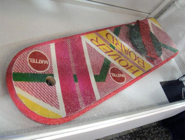 back-to-the-future-ii-hoverboard-2
