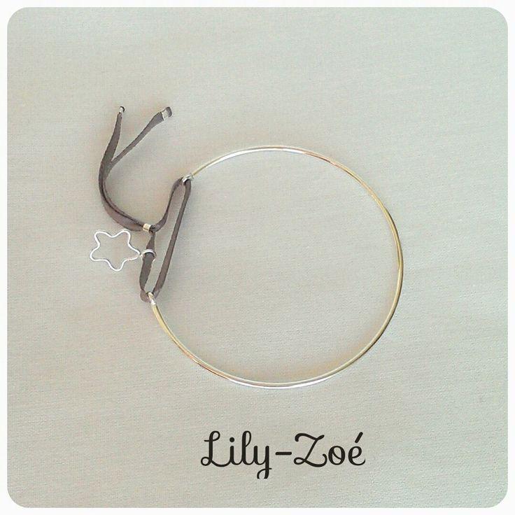 Bracelet Jonc ouvert et son étoile sur ruban gris en argent 925 via La Boutique de Lily-Zoé. Click on the image to see more!
