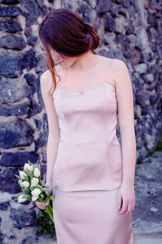 Ehi, ho trovato questa fantastica inserzione di Etsy su https://www.etsy.com/it/listing/502119470/corsetto-sposa-rosa-antico-su-misura