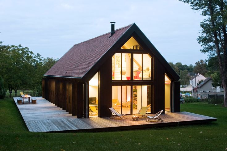 """Simple and discrete as a barn outside; warm, cozy, colorful and very open to nature inside."" in Mere, France"
